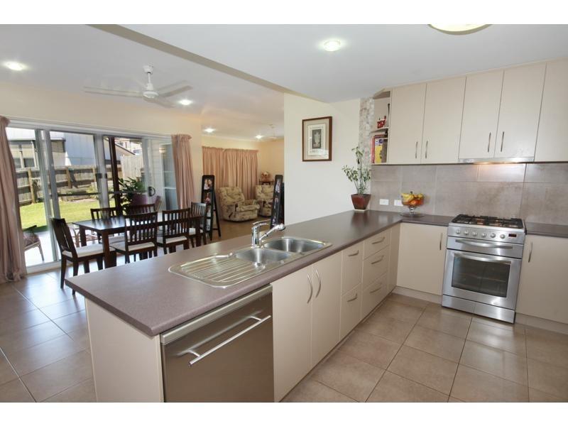 14 Bright Court, Burnside QLD 4560