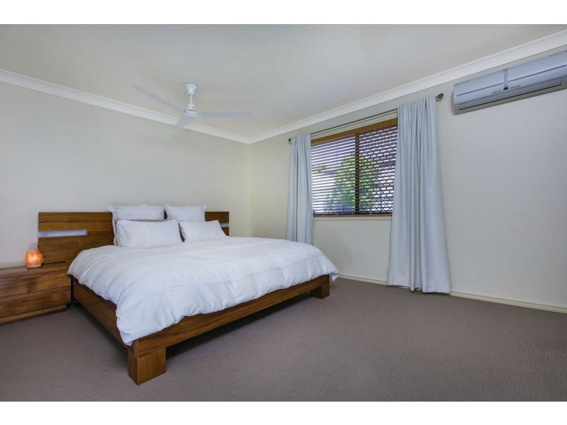 17 ROBERTSON Drive, Burnside QLD 4560