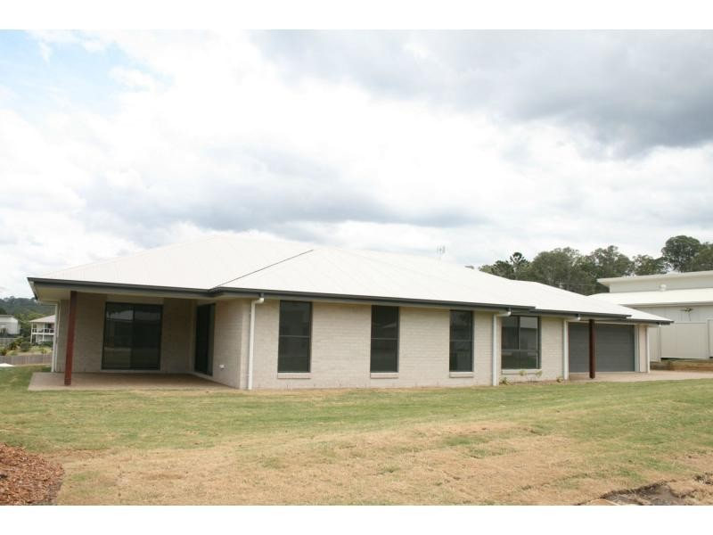 4 Grimes Terrace, Burnside QLD 4560