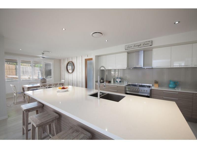 16 Roseapple Circuit, Roseapple Estate, Oxenford QLD 4210