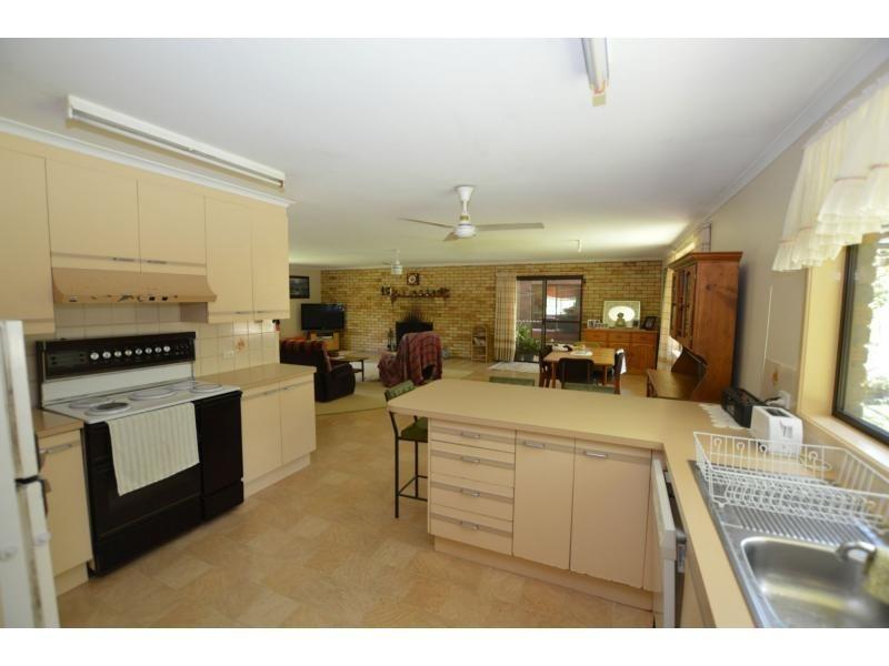 60 Cunning Road, Tanawha QLD 4556
