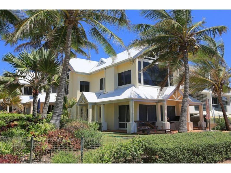 1/92-94 Miller Street, Bargara QLD 4670