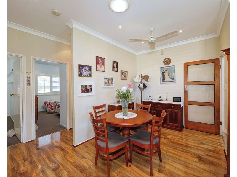 27 Howard St, Bargara QLD 4670