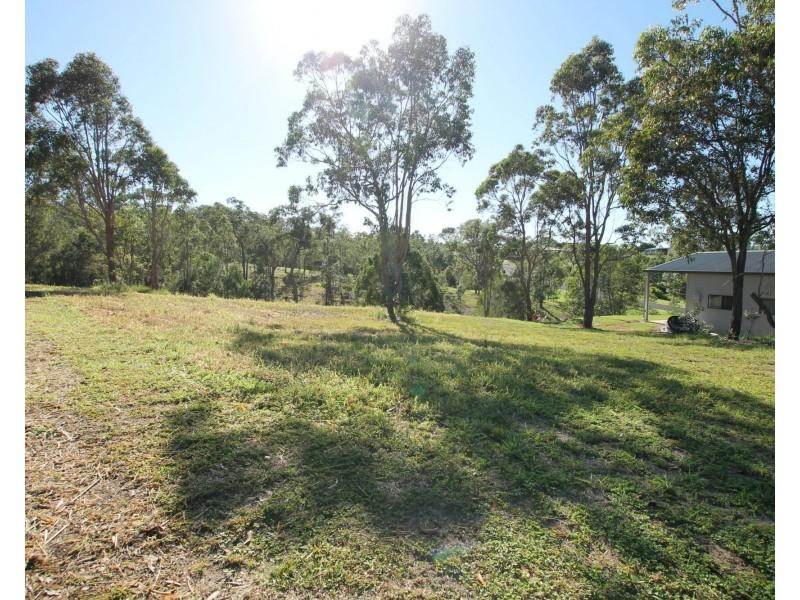 14 Eden Drive, Tinaroo QLD 4872