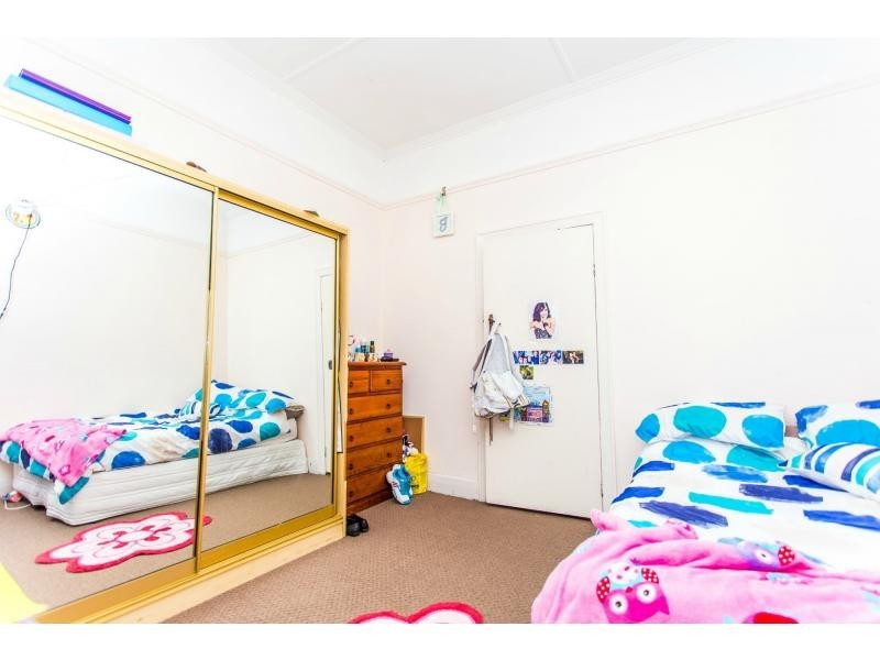 25 Queen Street, Stockton NSW 2295