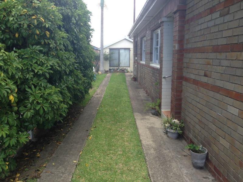 65 Fullerton Street, Stockton NSW 2295