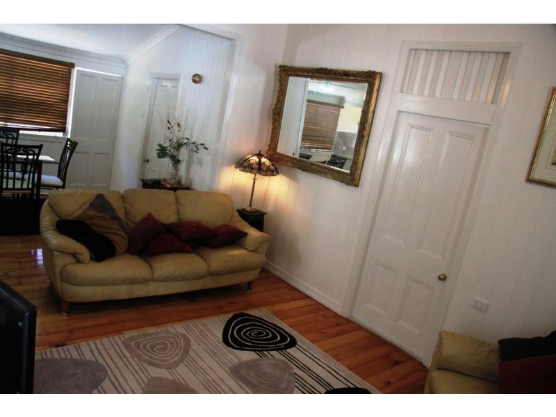 182 Agnes Street, The Range QLD 4700