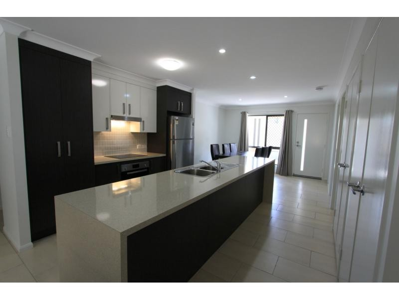6/241 Upper Dawson Road, Allenstown QLD 4700