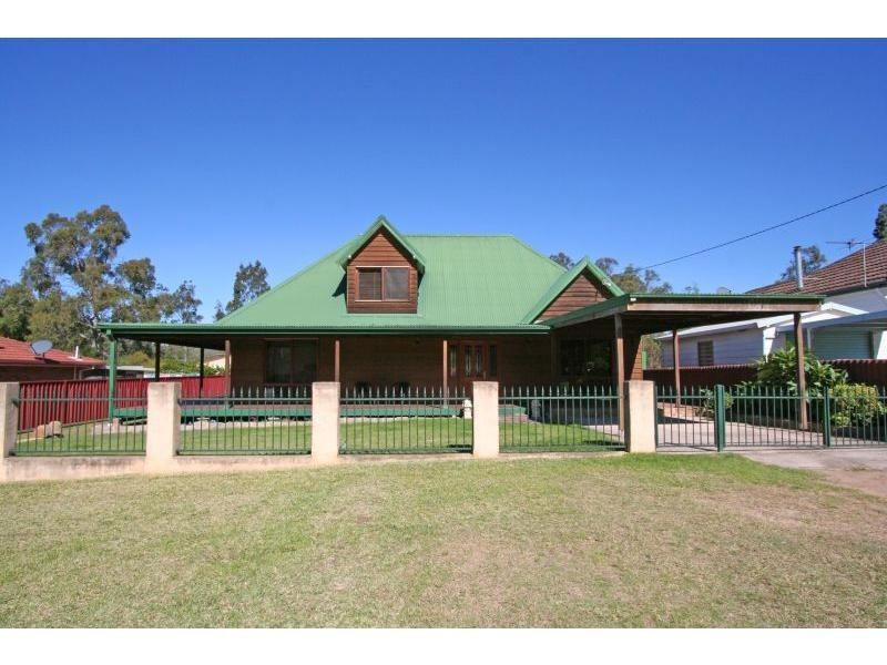 10 Bruce Street, Abernethy NSW 2325