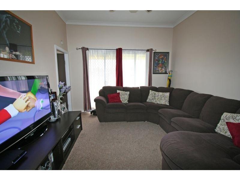 4 Colliery Street, Aberdare NSW 2325