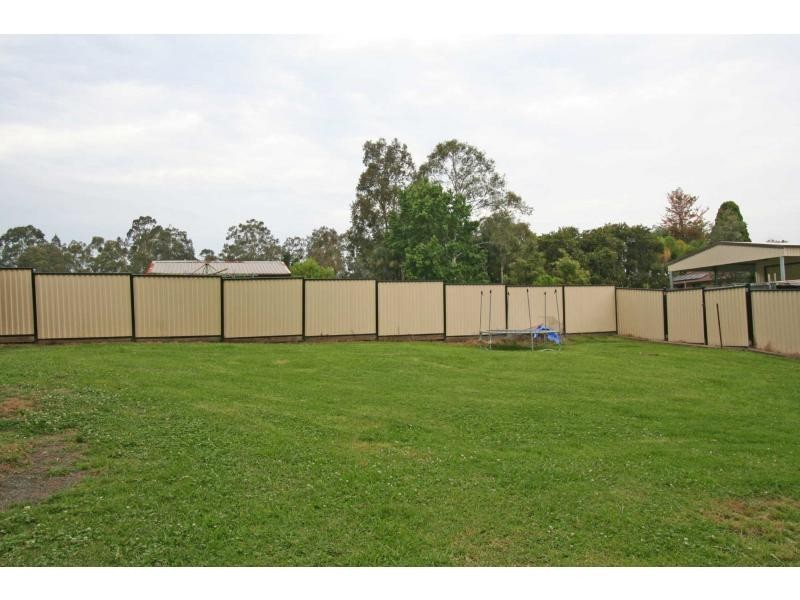 6 Stirling Street, Abernethy NSW 2325