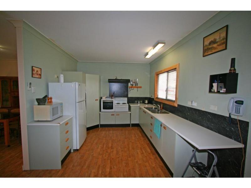 42 Charles Street, Abermain NSW 2326