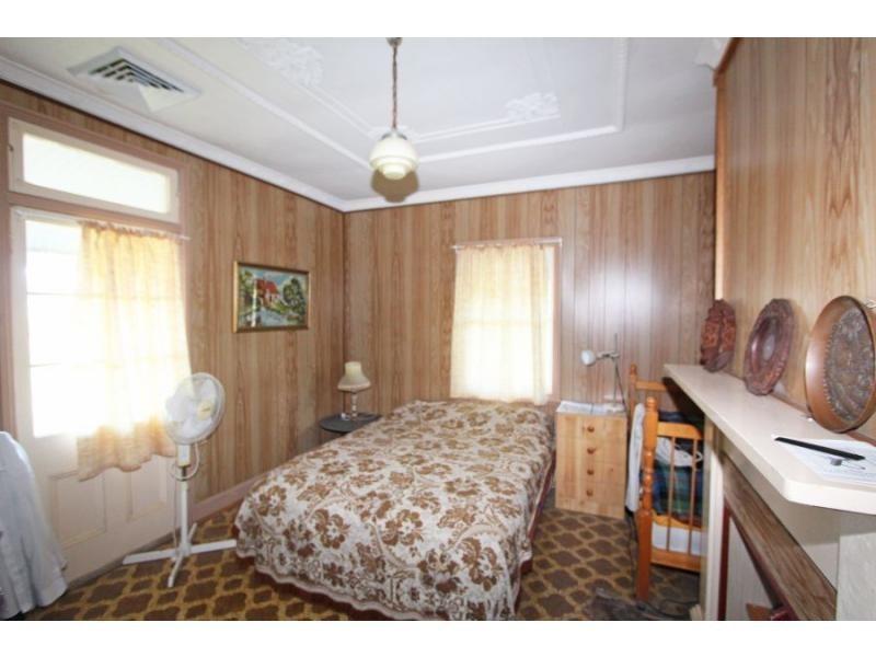 702 Wollombi Road, Bishops Bridge NSW 2326