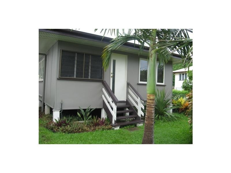 24 Clarendon Street, Hyde Park QLD 4812