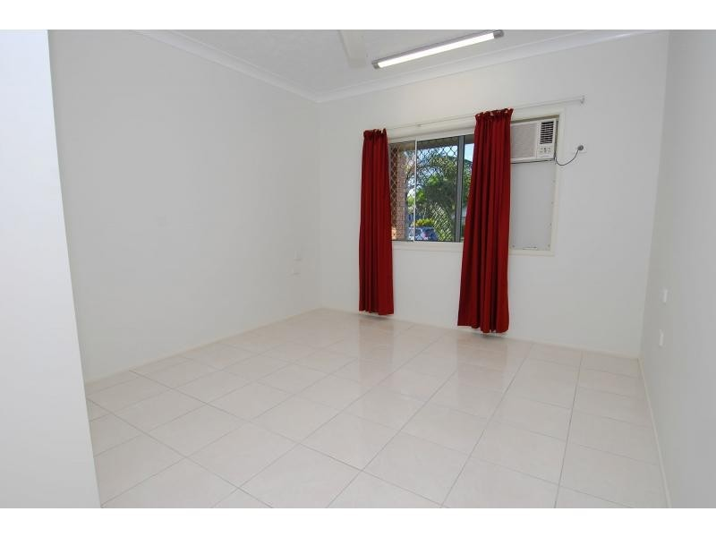 53 Rundle Street, Mount Louisa QLD 4814