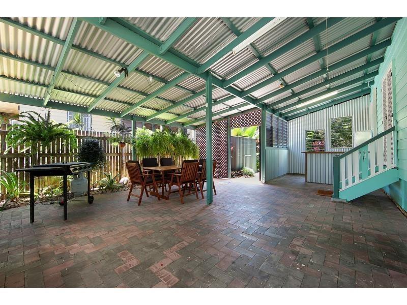 14 Campbell Street, Hermit Park QLD 4812