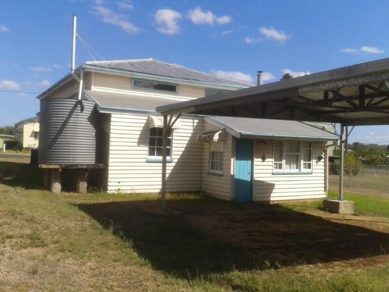 13 Brookes Street, Biggenden QLD 4621