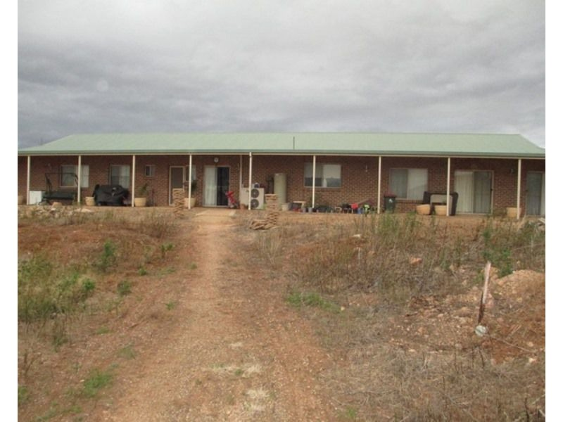 63 Scenic Drive, Napperby SA 5540