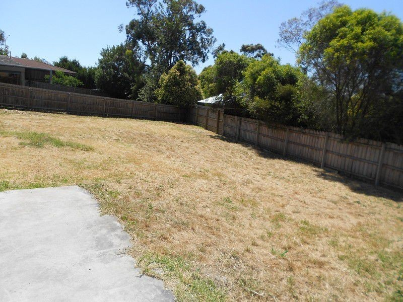 8A Slingsby Avenue, Beaconsfield VIC 3807