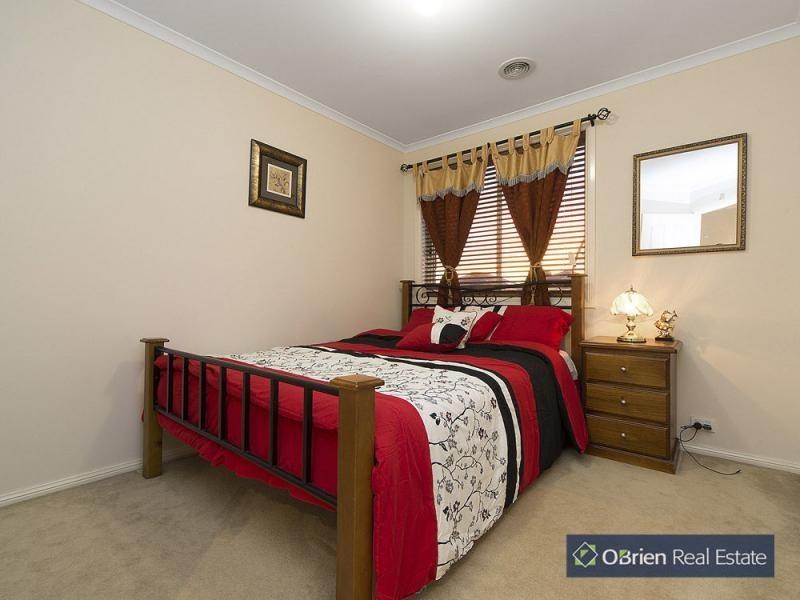 91 Golden Grove Drive, Narre Warren South VIC 3805