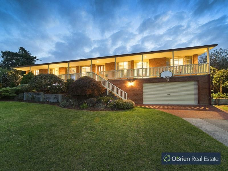 17 Hedgerow Court, Narre Warren South VIC 3805