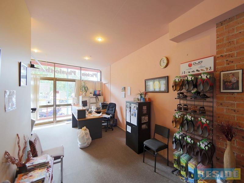 2/143 Argyle Street, Picton NSW 2571