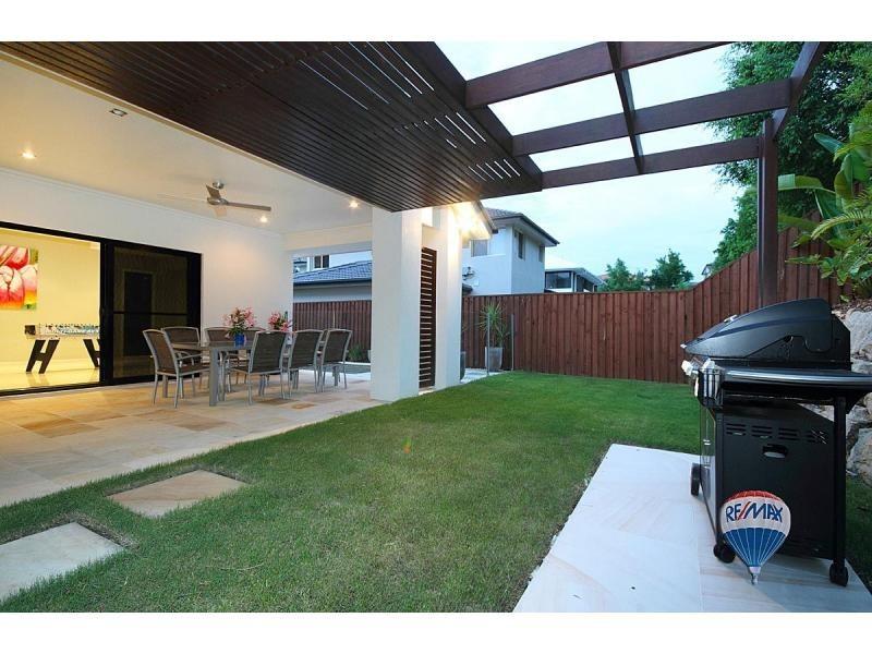 5 La Belle Court, Westlake QLD 4074