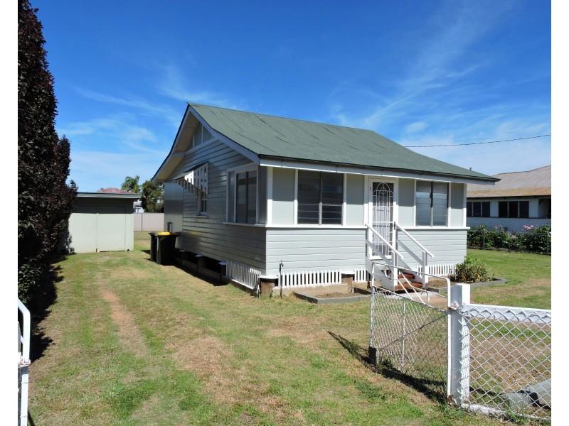 34 Stewart Ave, Warwick QLD 4370