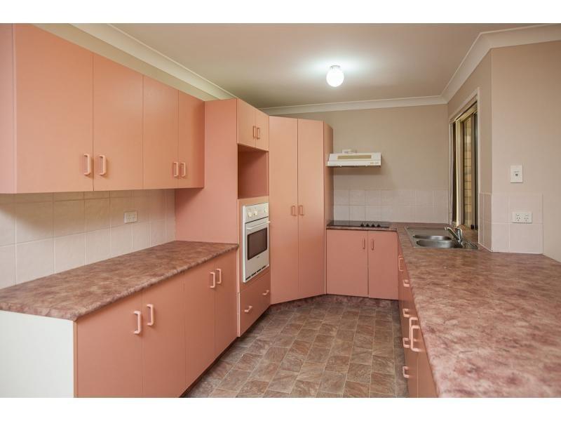 102 McLaughlin Street, Kawana QLD 4701