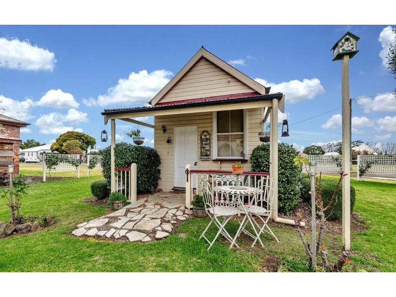 21 Drayton Street, Allora QLD 4362