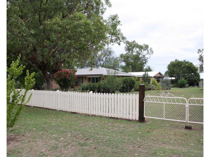 46 Arnold St, Allora QLD 4362