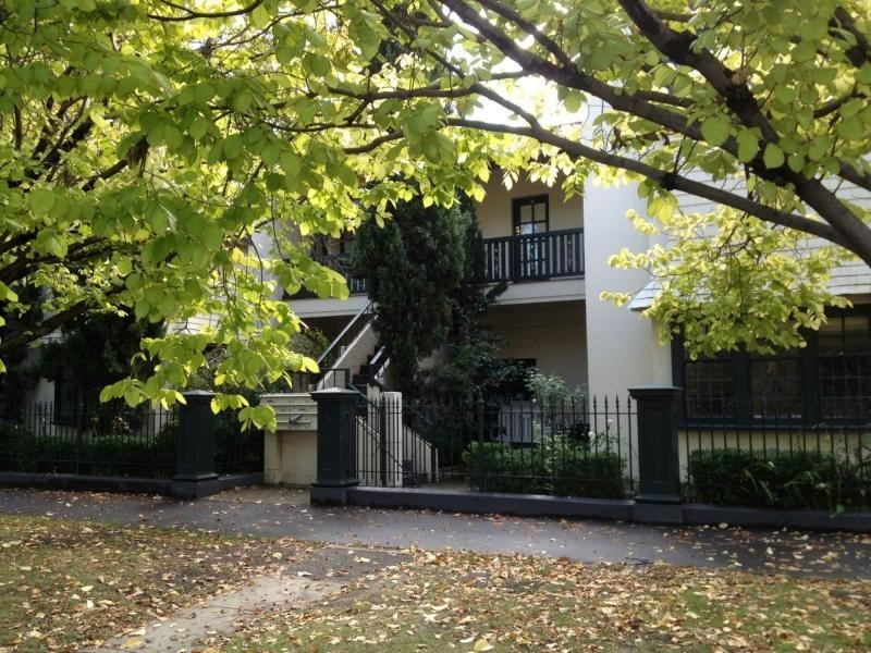Unit 11/56 – 58 St Vincent Place North, Albert Park VIC 3206