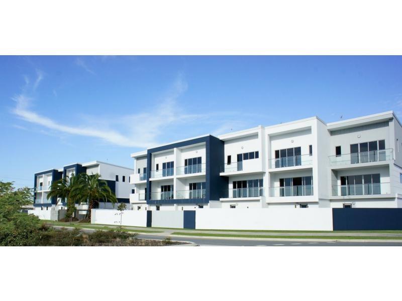 88 Broadwater Drive, Hope Island QLD 4212