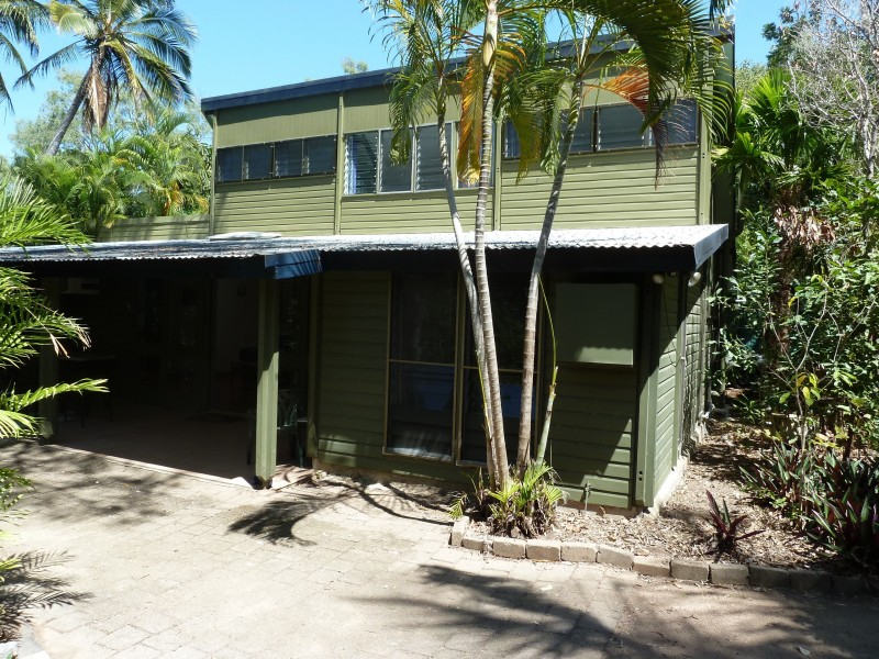 15 Winifred St, Nelly Bay QLD 4819