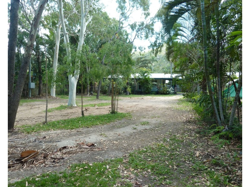 52 Sooning St, Nelly Bay QLD 4819