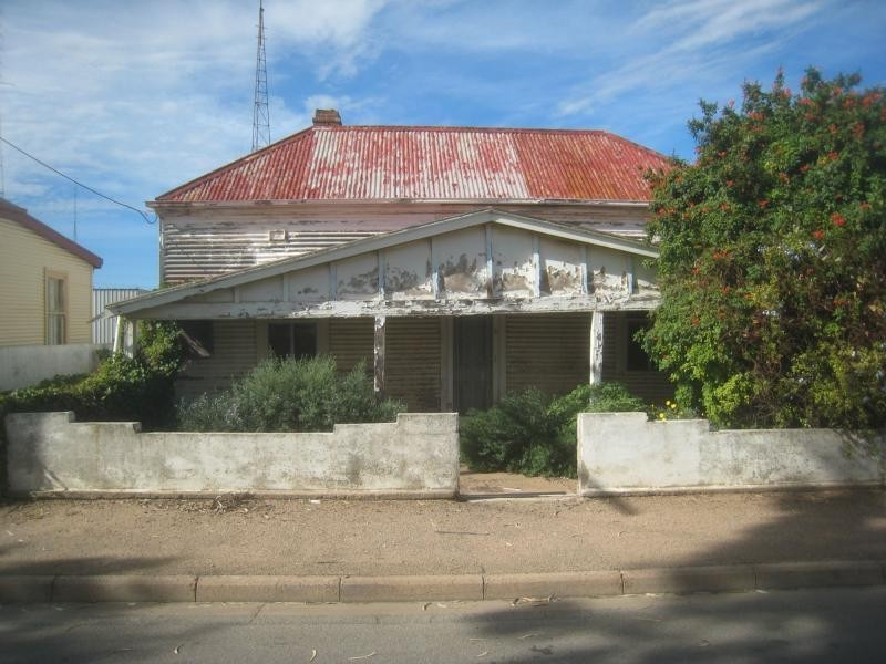 5 Eighth Street, Port Pirie SA 5540