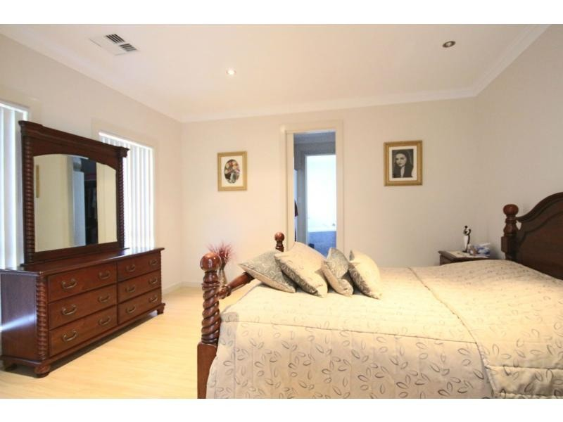 15 Kimberley Street, Mansfield Park SA 5012