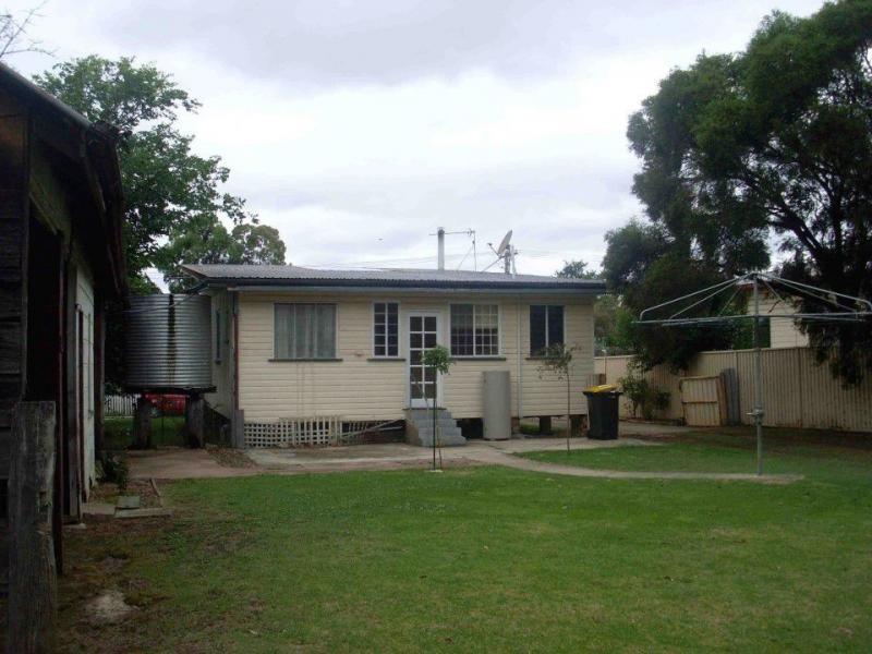 51 Stewart Avenue, Warwick QLD 4370