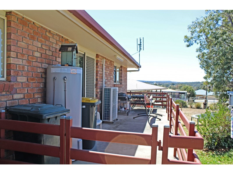 392 East St, Warwick QLD 4370