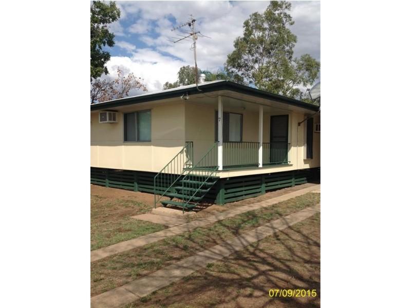 7 Mangrove Street, Blackwater QLD 4717