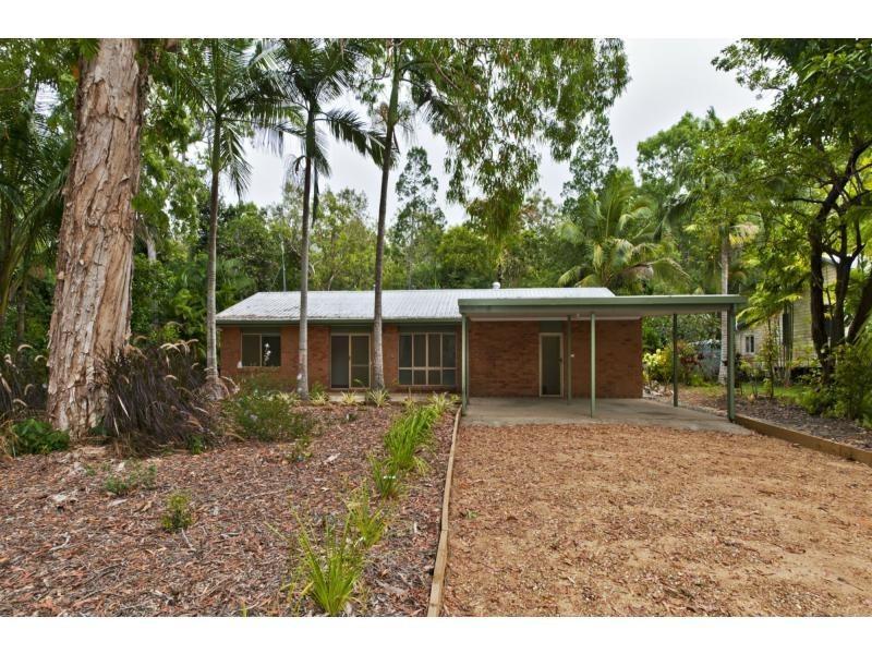 9 Toll Gate Road, Oak Beach QLD 4877