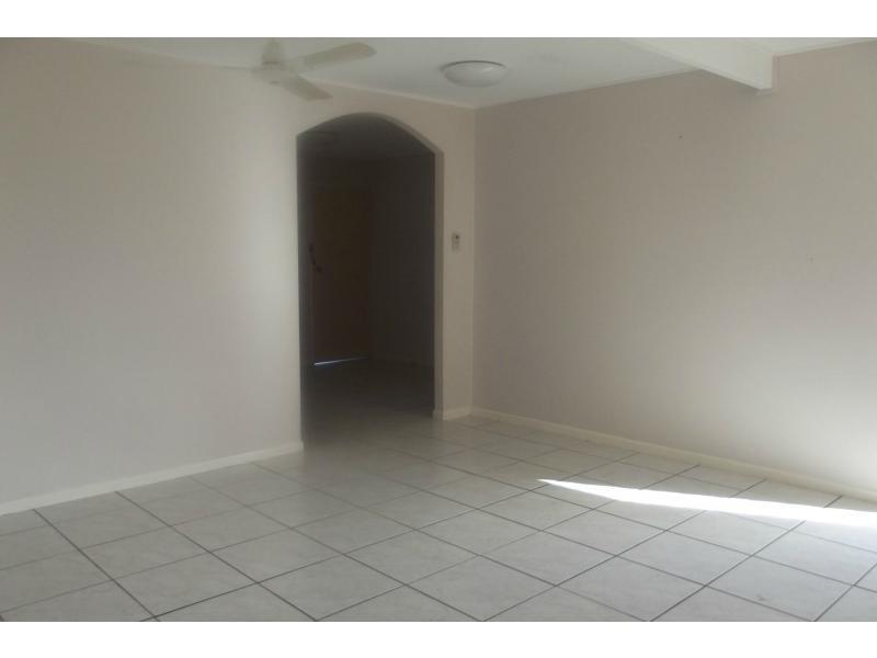 209 Pinnacle Drive, Rasmussen QLD 4815