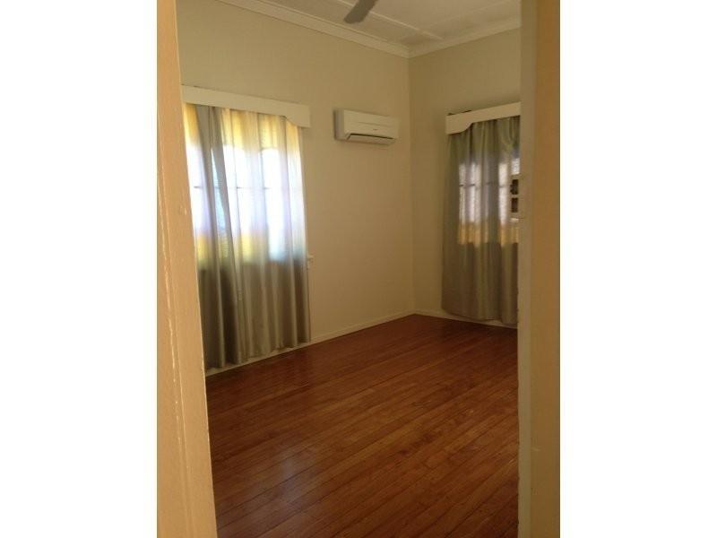 2/17 Somer Street, Hyde Park QLD 4812