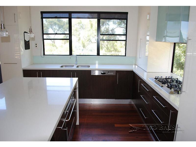 62-64 Eumeralla Grove, Mount Eliza VIC 3930