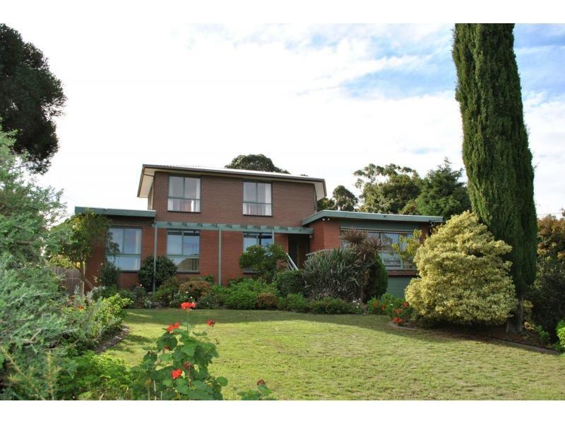 18 Glen Shian Lane, Mount Eliza VIC 3930