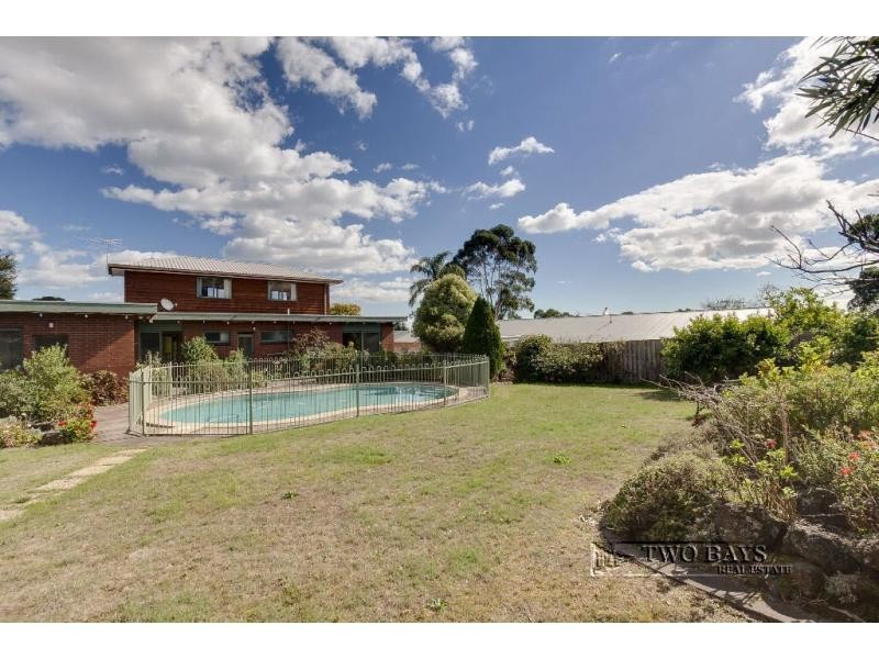 18 Glen Shian Lane, Mount Eliza VIC 3930