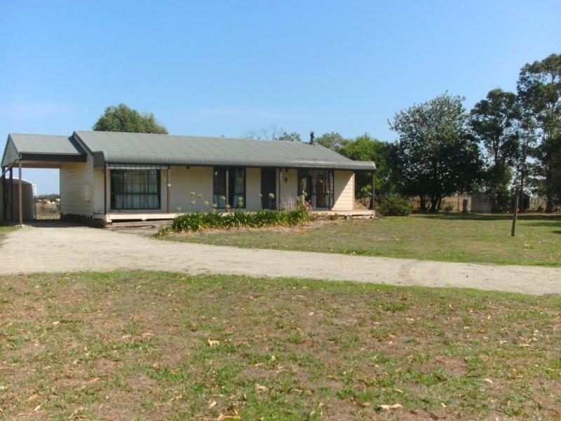 15 Cemetery Road, Corinella VIC 3984