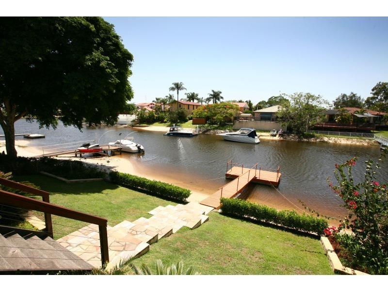 9 Cedar Place, Broadbeach Waters QLD 4218