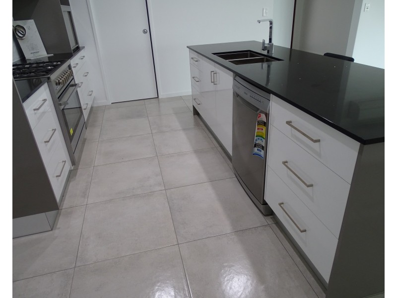 42 Palermo Ave, Ashfield QLD 4670