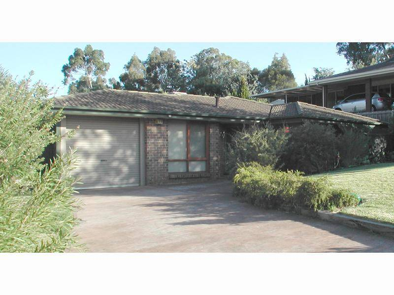 33 Woodlea Drive, Aberfoyle Park SA 5159